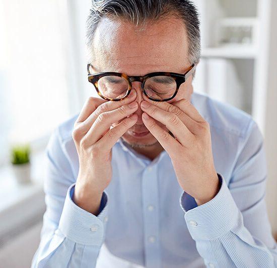 dolor de cabeza problemas visuales